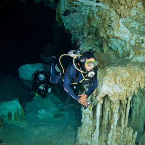cavern diving 2